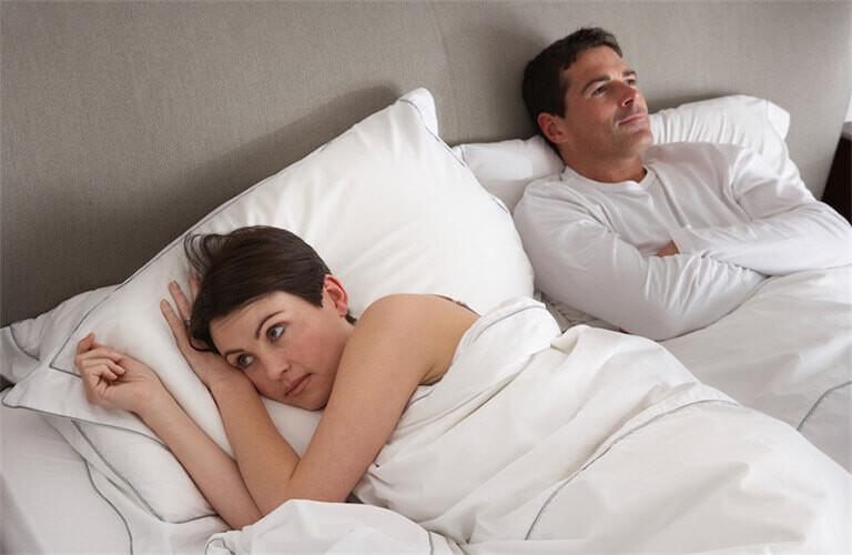 Thuốc kích dục nam nữ BMW dùng cho các cặp vợ chồng suy giảm ham muốn, gặp nhiều trục trặc trong chuyện chăn gối